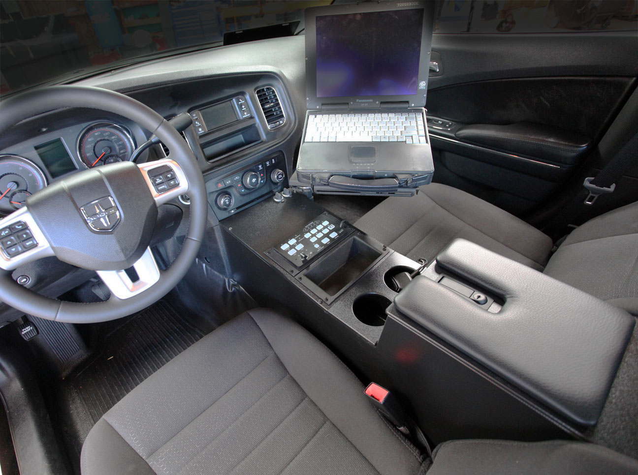 2011 Charger Console with Computer
